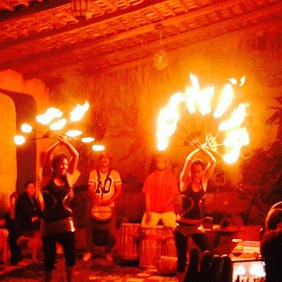 Bailes con fuego en la fiesta anual. Spanish in Cabo Annual Party
