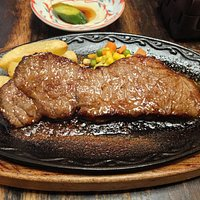 Sirloin steak in garlic sauce