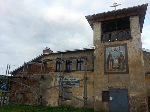 Петергофская дача Калмыкова нынче церковь