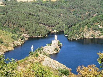 ile de grangent vue du château d'Essalois