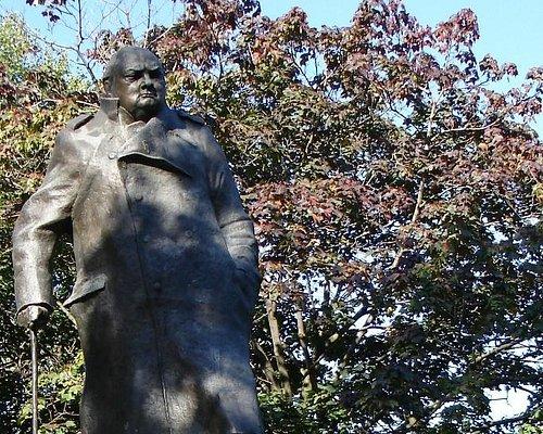 Памятник Уинстону Черчиллю
