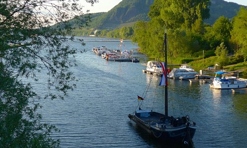 A few steps from the Burgermeister the beautiful Rhein view