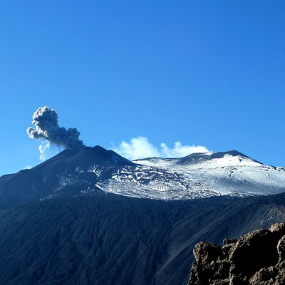 Eruzione Etna vista dalla Valle del Bove