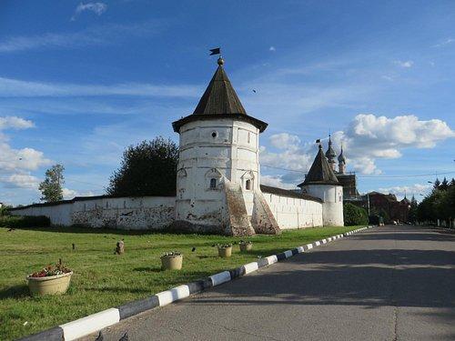 Юрьев-Польский, Михайло-Архангельский монастырь
