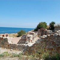 Развалины базилики