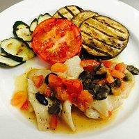 Filetto di San Pietro all'AcquaPazza con verdure grigliate