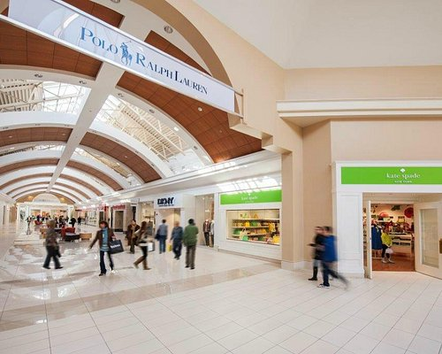 Fashion Outlets of Niagara Falls, USA