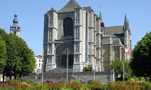 Collegiale Sainte-Waudru - La tour