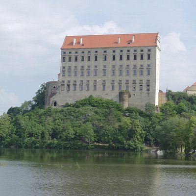 замок Плумлов от кемпинга