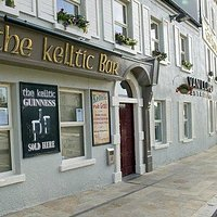 Gastropub and Bar in the Heart of the Boyne Valley. Operating as a part of the Headfort Arms Hot