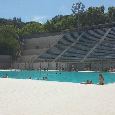 vista completa da piscina pra cima do morro
