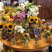 Beautiful Mason Jar Flowers