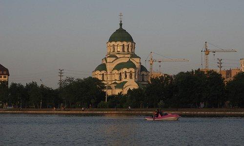 Вид на Храм Владимира