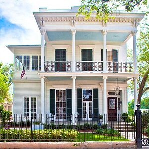 Venue & Historic House Museum dedicated to telling the story of free people of color.