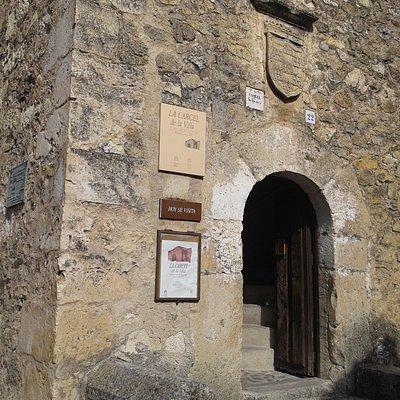 Detalle entrada y cartel
