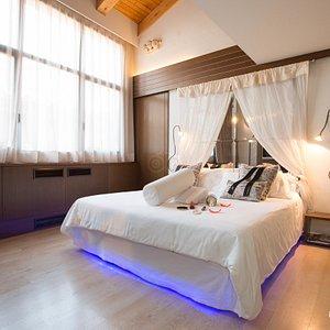 The Margarita Bonita Suite at the Hotel Llegendes de Girona Catedral