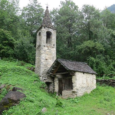 The tiny chapel at La Presa