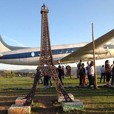 Torre Eifel em homenagem ao vôo do Santos Dumont em Paris