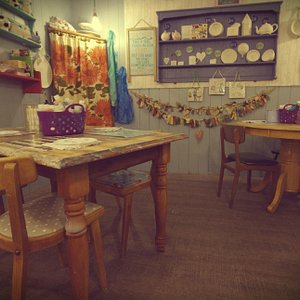 Welcome to Ceramic Corner... Come on in and paint