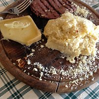 polenta branzi e cotechino alla griglia