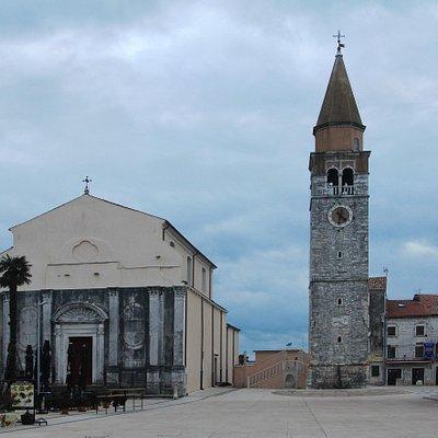 Церковь Вознесения Девы Марии и колокольня церквей Вознесения Девы Марии и Св. Перегрина