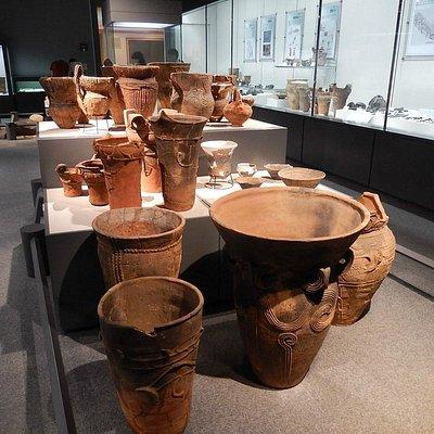 縄文土器群の展示