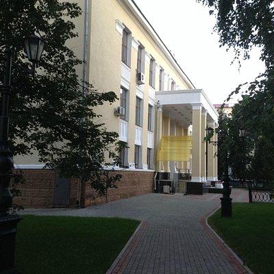 Обновленный вход в библиотеку
