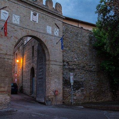Porta Vittorio Emanuele