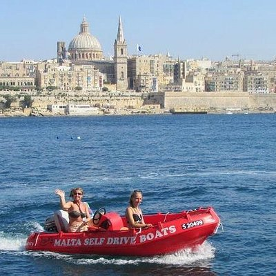 Happy customers cruising around Sliema & Valletta