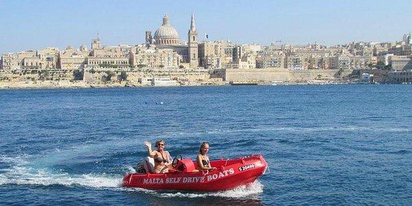 Happy customers cruising around Sliema & Valletta