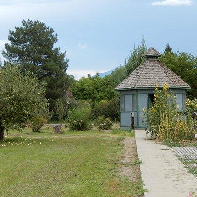 Cross Orchards Garden