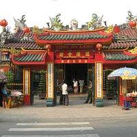 Chua on Lang Pagoda