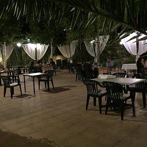 Très bon Restau et très agréable terrasse