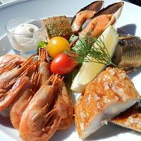 Archipelago assortment (smoked fish and shrimp)