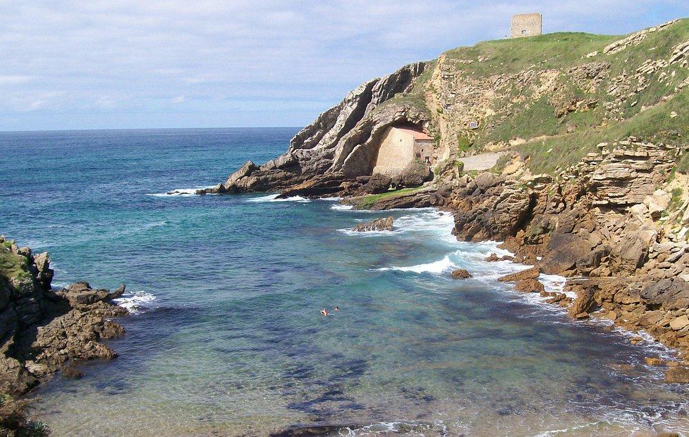 la ermita, vista desde la playa