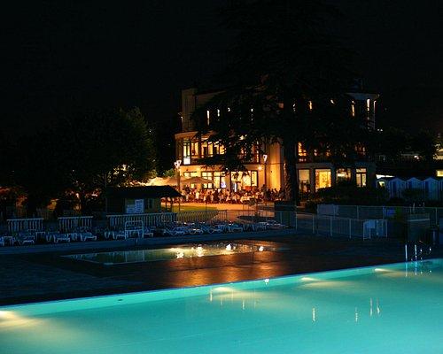 ristorante di notte