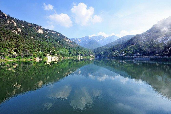 Nine Dragon Lake