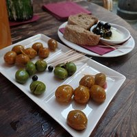 The 3 color olives, yum!