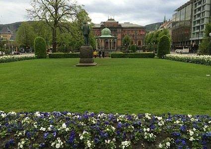Glorieta en el parque