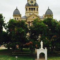 Denton Courthouse and Confederate Memorial on the Square