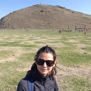 Фото слеланы во время Ердынских игр 2015. За спиной у меня та самая гора, вокруг которой водят х