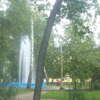 фонтан в сквере
