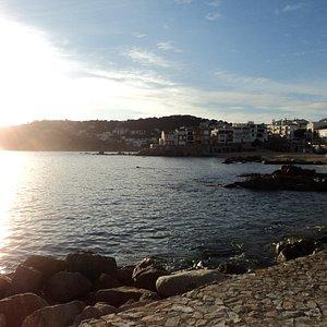 bañada al sol, Portitxol en L'Escala