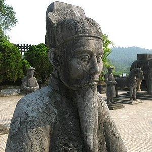 Imperial Tomb of Dong Khanh-7