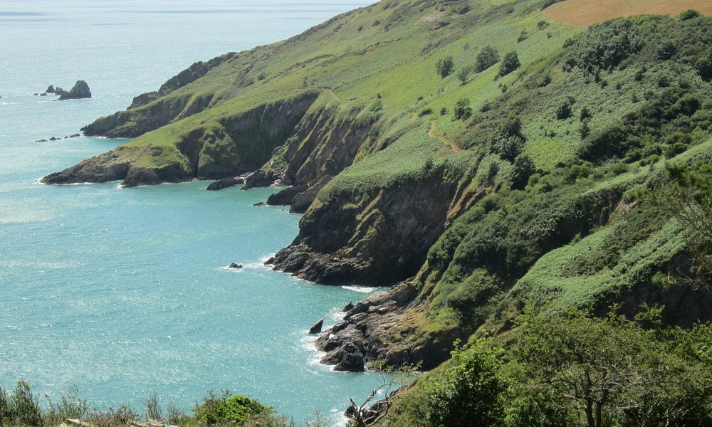 The coast near Dartmouth