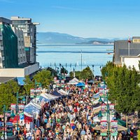 Up to 5,000 people visit the Sidney Street Market each night.