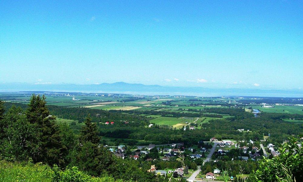 La plus belle vue sur Saint-Pacôme, Rivière-Ouelle et les montagnes de Charlevoix