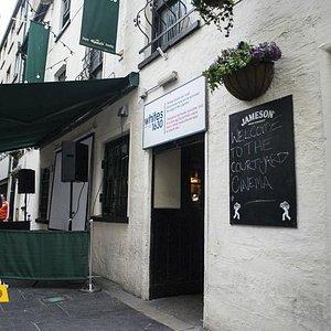Whites Tavern, where Courtyard Cinema is held.