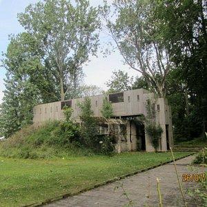 Bunker als Spielplatz