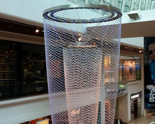 A beautiful Chandlier inside the Mall